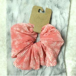 FREE w/bundle Scrunchy Peach Shimmer New NWT